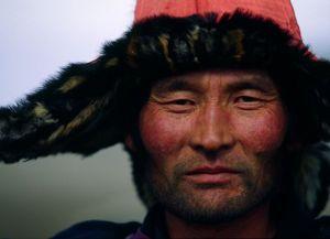 mongolia-hunter-portrait_37906_600x450