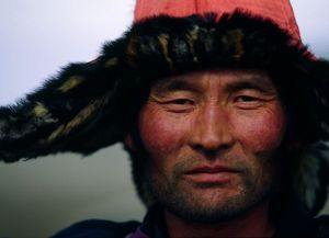 mongolia-hunter-portrait_37906_600x450