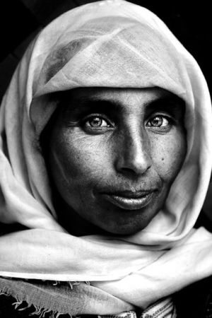 morocco-woman-portrait_37908_600x450