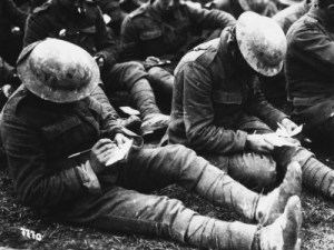 soldiers-writing-letters