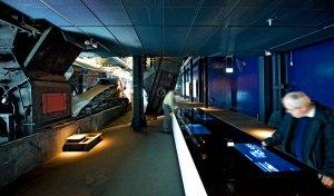 Zollverein_RuhrMuseum_Datentisch_2_266_1700x1200