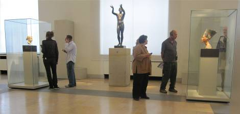 Nefertiti Bust in Old Museum Berlin 2009 - 87