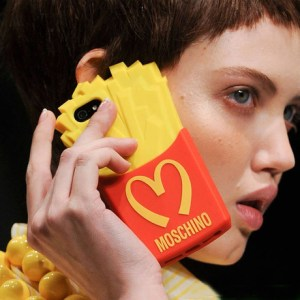 moschino-fries-3d-case-for-iphone-55s.10604-48446