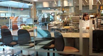 Bucataria McDonalds1