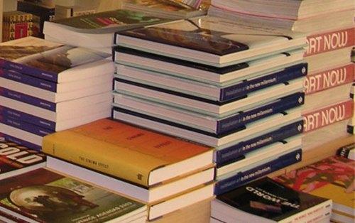 booksinpiles