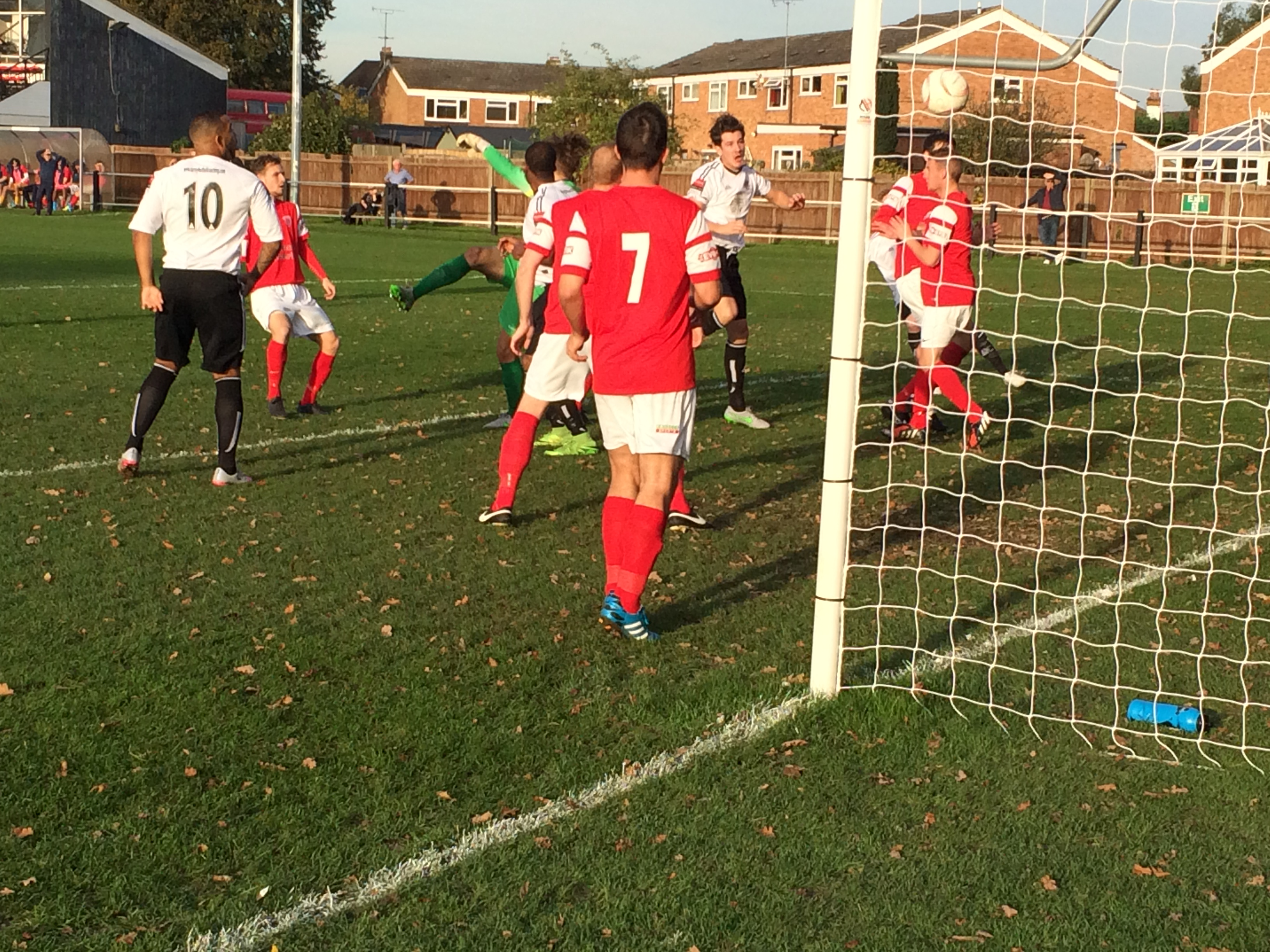 Goal.Molesey v Didcot Town FA Trophy