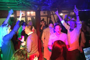 Ihr Betriebsfest mit DJ und DJane in Lüneburg und Umgebung. DJ Uelzen, DJ Winsen, DJ Soltau, DJ Heidekreis, DJ Lüneburg. DJ Hamburg. DJ Harburg.