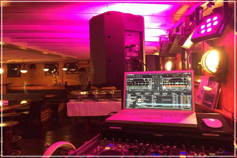 Geburtstagsparty mit DJane in Hamburg am Sandtorkai