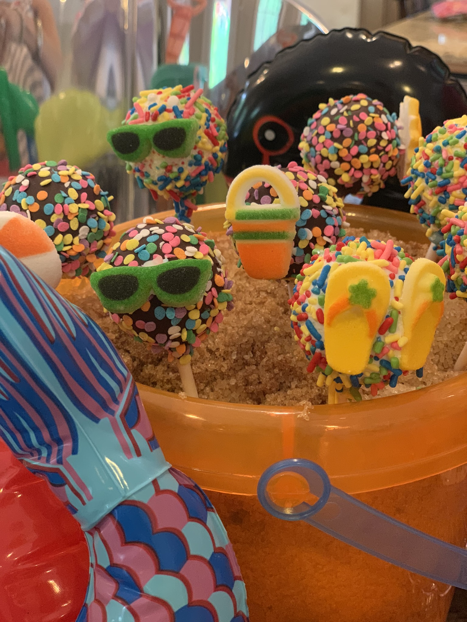 summer party cake pops