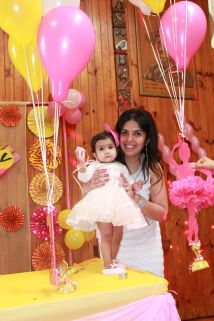 Pink_Yellow_White_theme_birthday_party_decoration_24