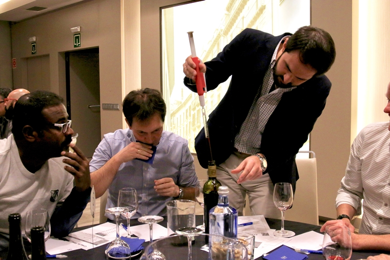 Crea tu Vino como actividad team building _16