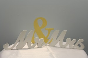 Mr and Mrs Sign Image