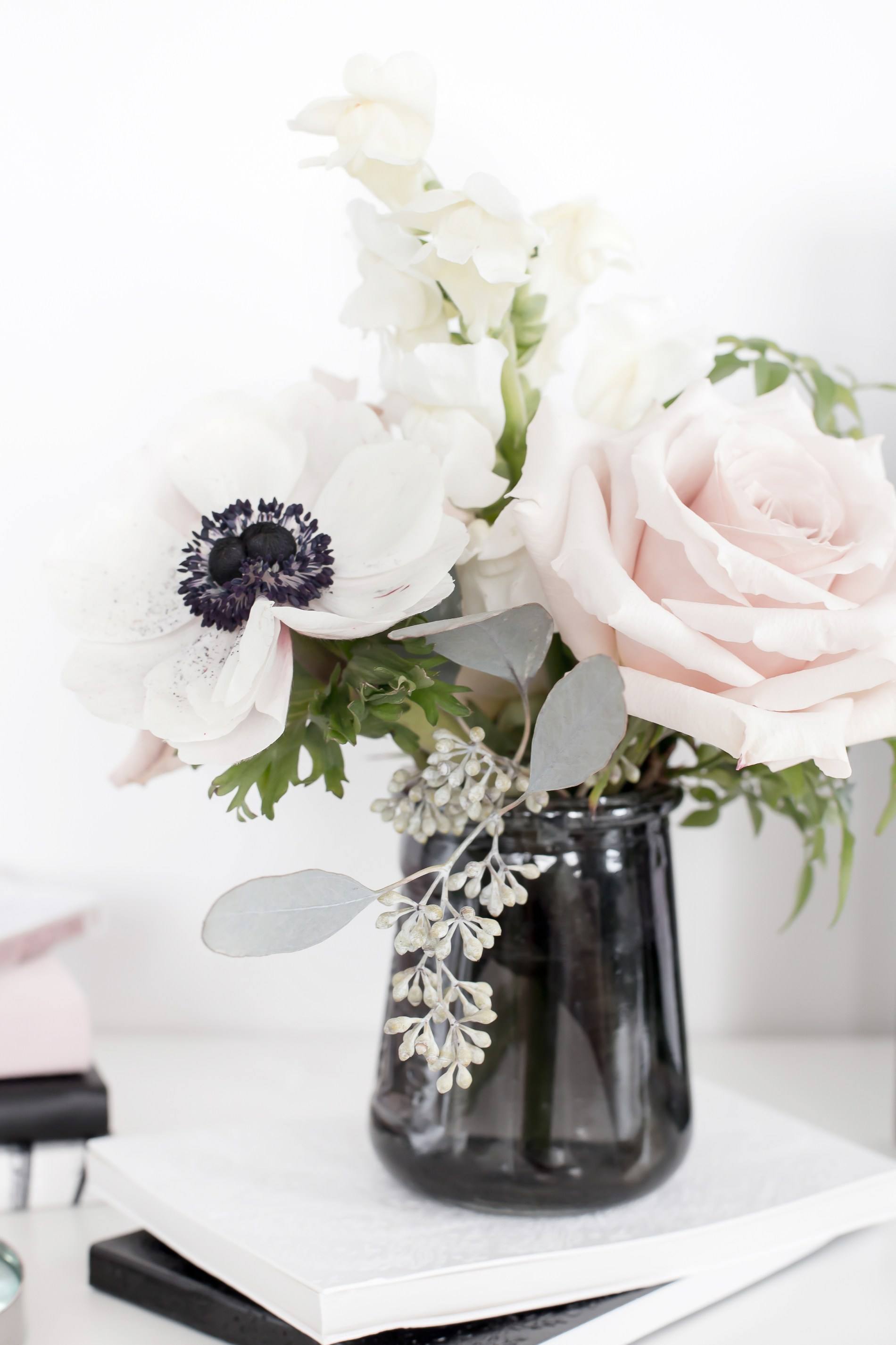 annapolis maryland intimate micro wedding, blush and grey small centerpiece