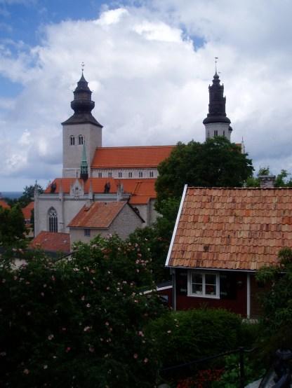 De flotte spir fra den smukke domkirke kan ses over det meste af byen