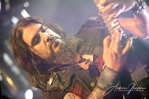 Band Machine Head performance