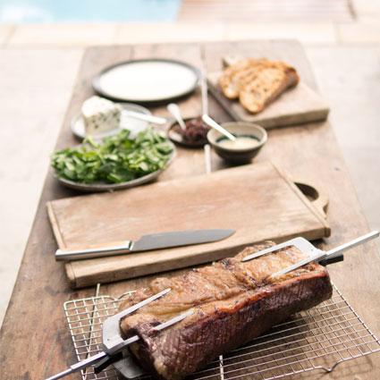 藉由我們的食譜獲得並開創一些燒烤的靈感,食譜由赫斯頓親自研擬撰寫。