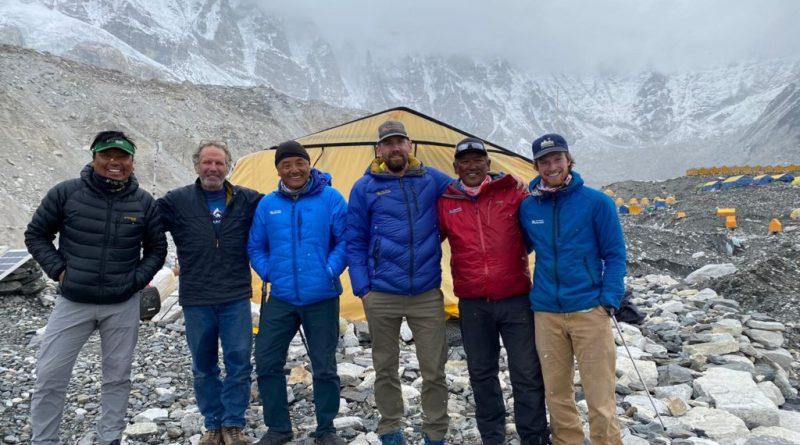 2021-Everest-Guide-Team-from-left-to-right-Phunuru-Sherpa_Andy-Politz-Ang-Jangbu-Sherpa-Jonathan-Schrock_Ang-Dorjee-Sherpa-img