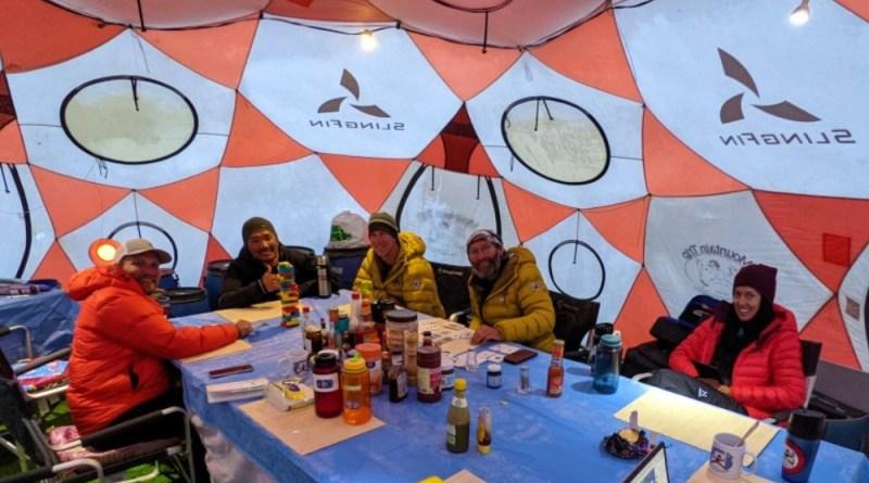 Mountain trip tent everest