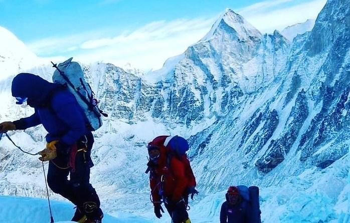summit climb 6th everest