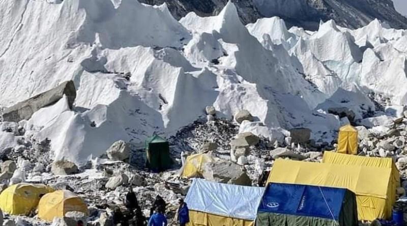 summit climb team updates everest