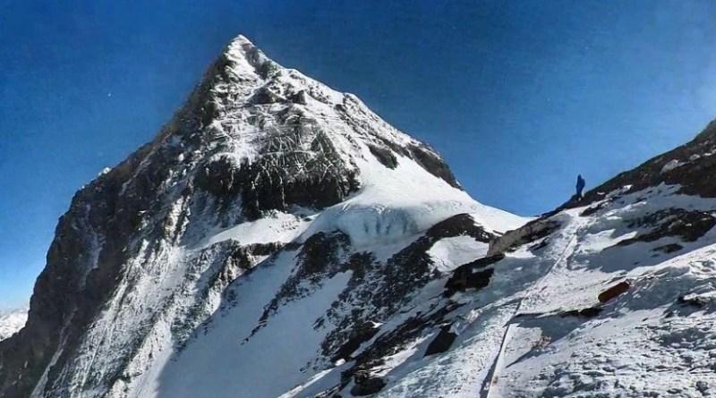 summit everest kilian 1st june