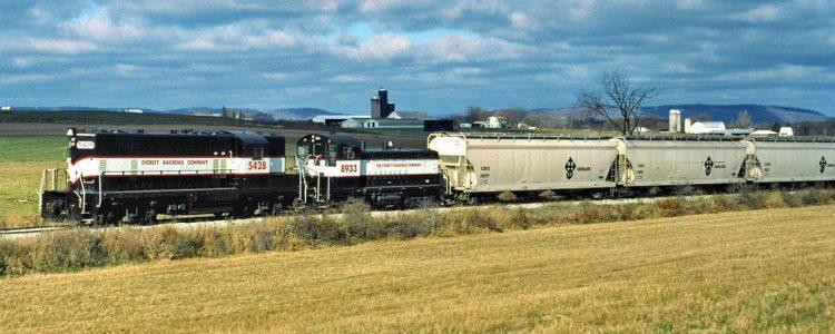 Everett Railroad 5428 and 8933 in Morrison's Cove