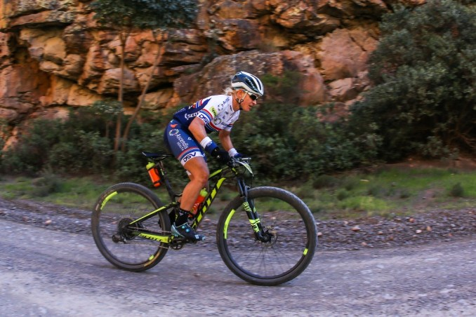 Robyn de Groot returned from an injury lay-off to racing at the Ladismith Cheese 7Weekpoort Mountain Bike Challenge on the 30th of September. Photo by Oakpics.com.