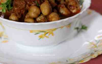 Chana Masala (Authentic Chick Pea Curry)