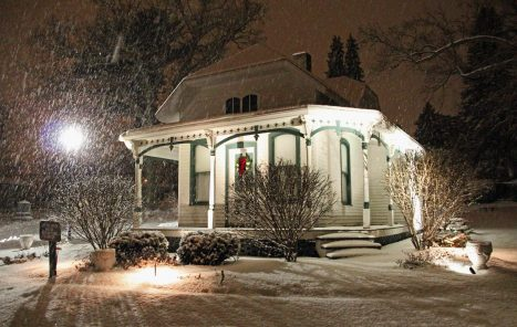Sexton House during snow storm