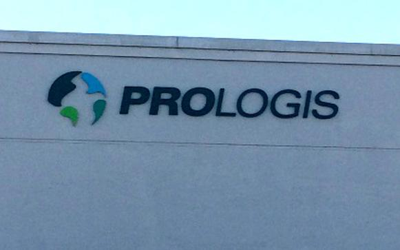 In 2013 Evergreen was one of 10 area sign companies contracted to participate in the worldwide rebranding of Prologis' Puget Sound Area properties. Here, the new building signage as fabricated and installed.