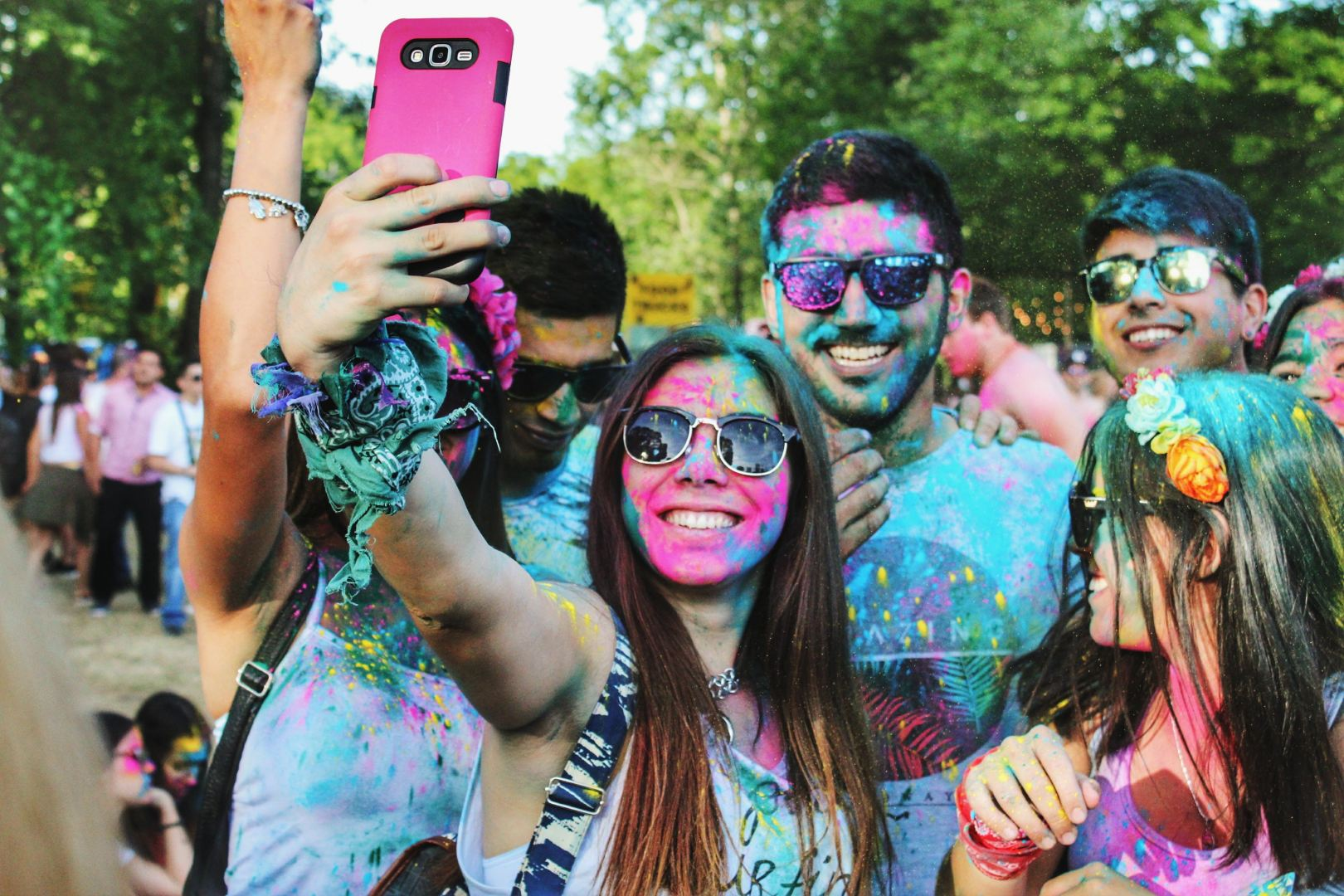 friends fun colorful color run holi selfie young