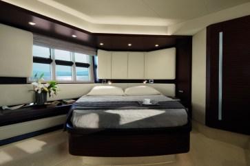 31_20120702100253_55S_Owner_Cabin