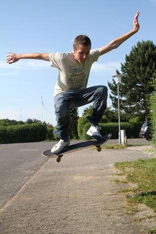 ollies, how to ollie, ollie trick tip, skateboard