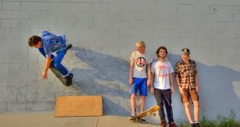 wall ride, wallride, skate, skateboard, skating