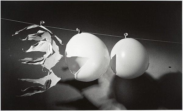 Image: bullet through balloon