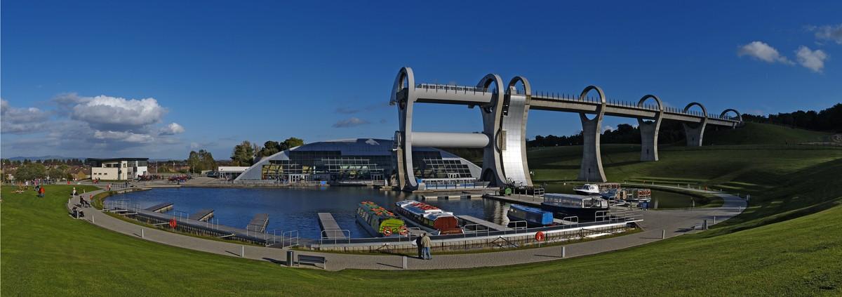 Image: Amazing bridges and lock technology Falkirk Wheel