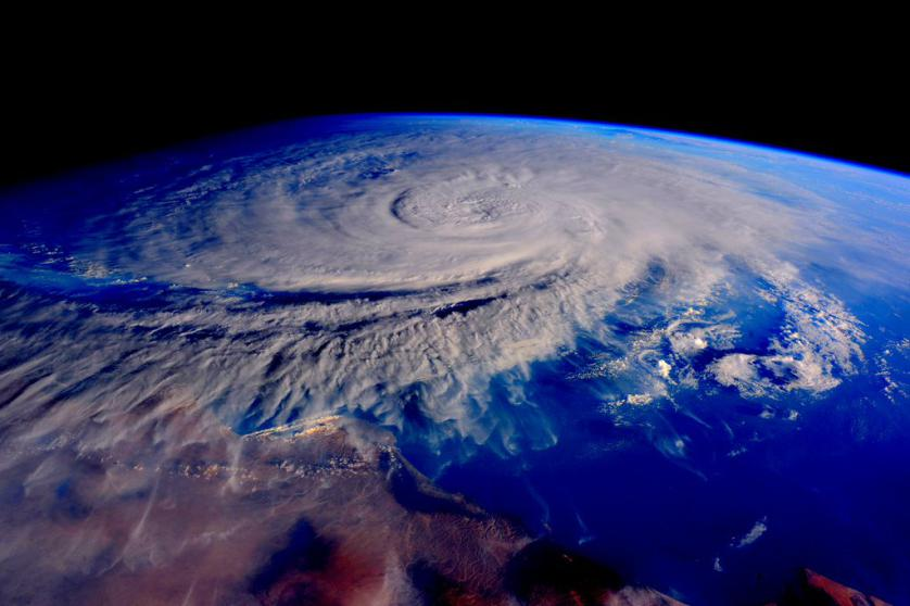 https://twitter.com/StationCDRKelly/status/660456831853162496 #TropicalStorm #Ashobaa churns off the coast of #Oman. Stay safe down there. #YearInSpace