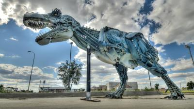 Image: T Rex Sculpture done in metal junk