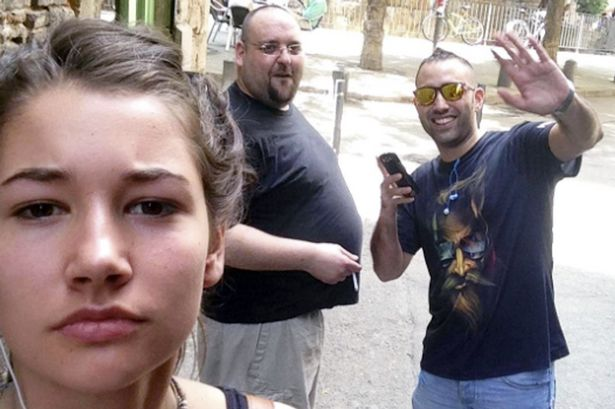 Noa Jansma Is Taking Selfies With Her Catcallers To Show Men That It Really Happens