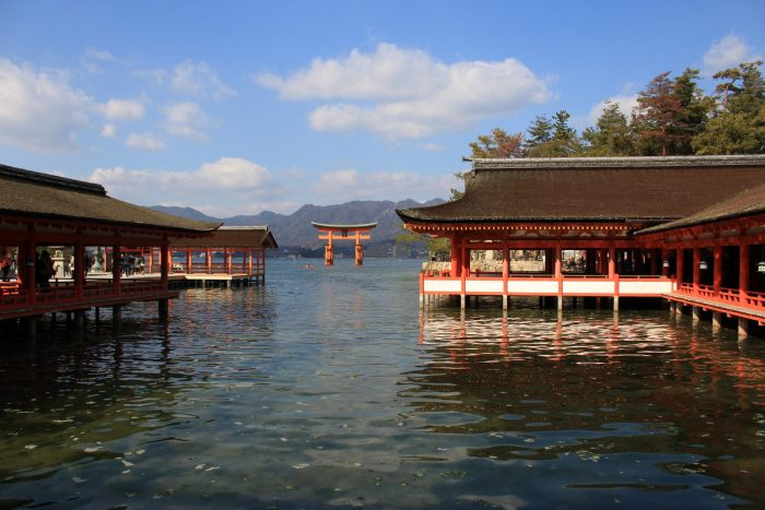 itsukushima shrine 700x467 - A day trip to Miyajima from Kyoto, Japan