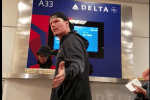 vanilla ice airport meltdown - Vanilla Ice gets angry at Delta employee after missing flight