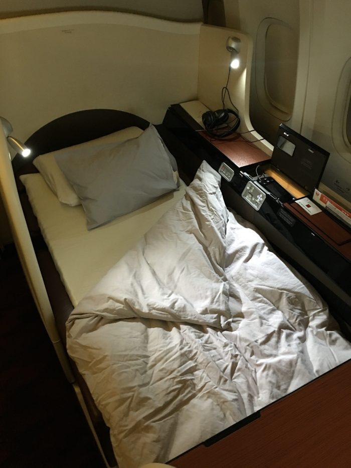 japan airlines boeing 777 300er first class san francisco sfo tokyo haneda hnd lie flat bed 700x933 - Japan Airlines JAL First Class Boeing 777-300ER San Francisco SFO to Tokyo Haneda HND review