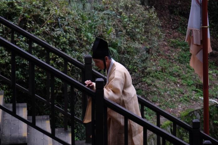 jinjuseong stairs 700x467 - A visit to Jinjuseong Fortress in Jinju, South Korea