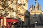 porte cailhau bordeaux - A walking tour of historic Bordeaux & The Port of the Moon