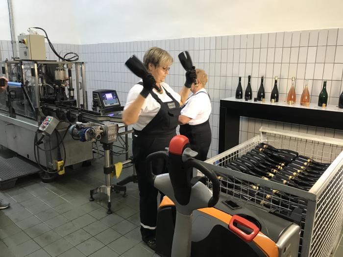 bohemia sekt winery bottling 700x525 - A visit to the Bohemia Sekt winery in Pilsen, Czech Republic