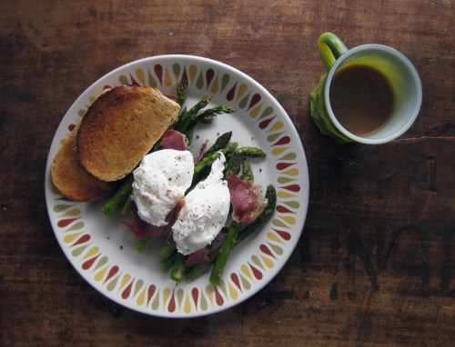 roasted asparagus with pancetta & a poached egg | everybody likes sandwiches