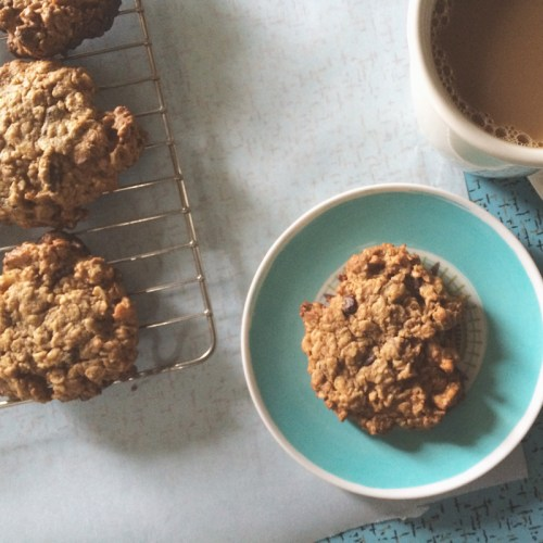 loaded flourless oatmeal peanut butter cookies | everybody likes sandwiches