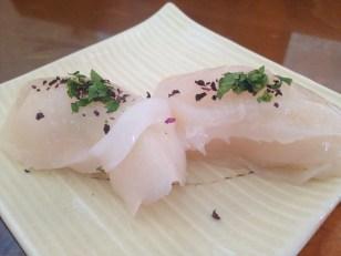 Fresh Scallop w/ Himalayan Salt - Kanda Sushi