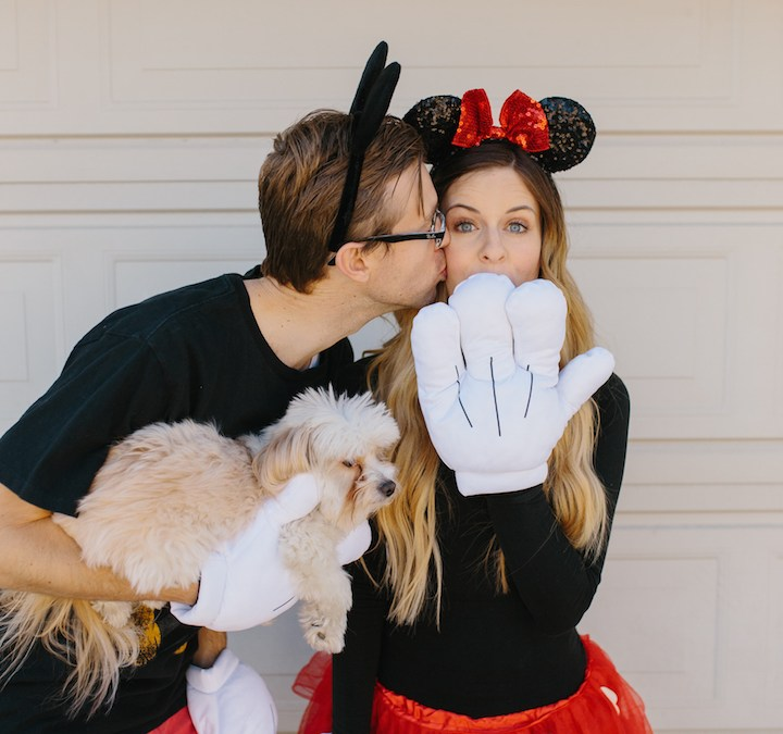Cheap DIY Couples Costumes For You and Your Pet