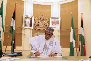 In plea for votes, Buhari laments corruption threatens Nigeria and elections